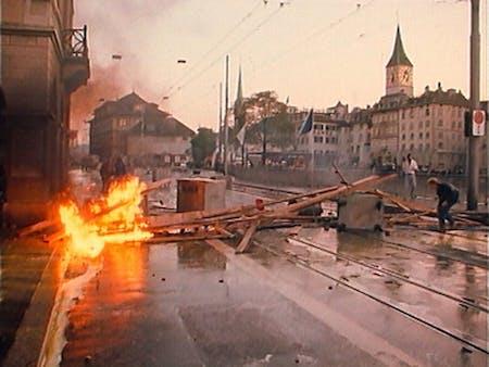 Bild 1 von Der Spitzel und die Chaoten – Die Zürcher Jugendbewegung 1980