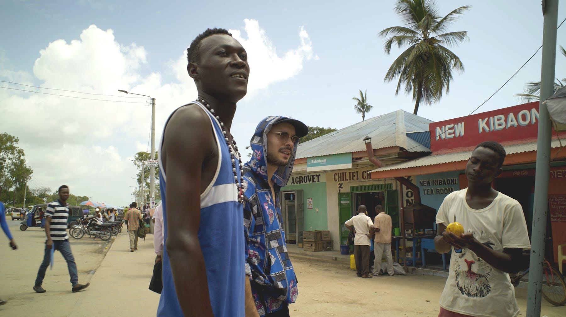 Bild 1 von Mugogo! Rising